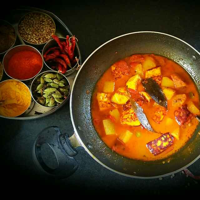 Photo of Bengali Paneer with potato curry by Sanjhbati sen at BetterButter