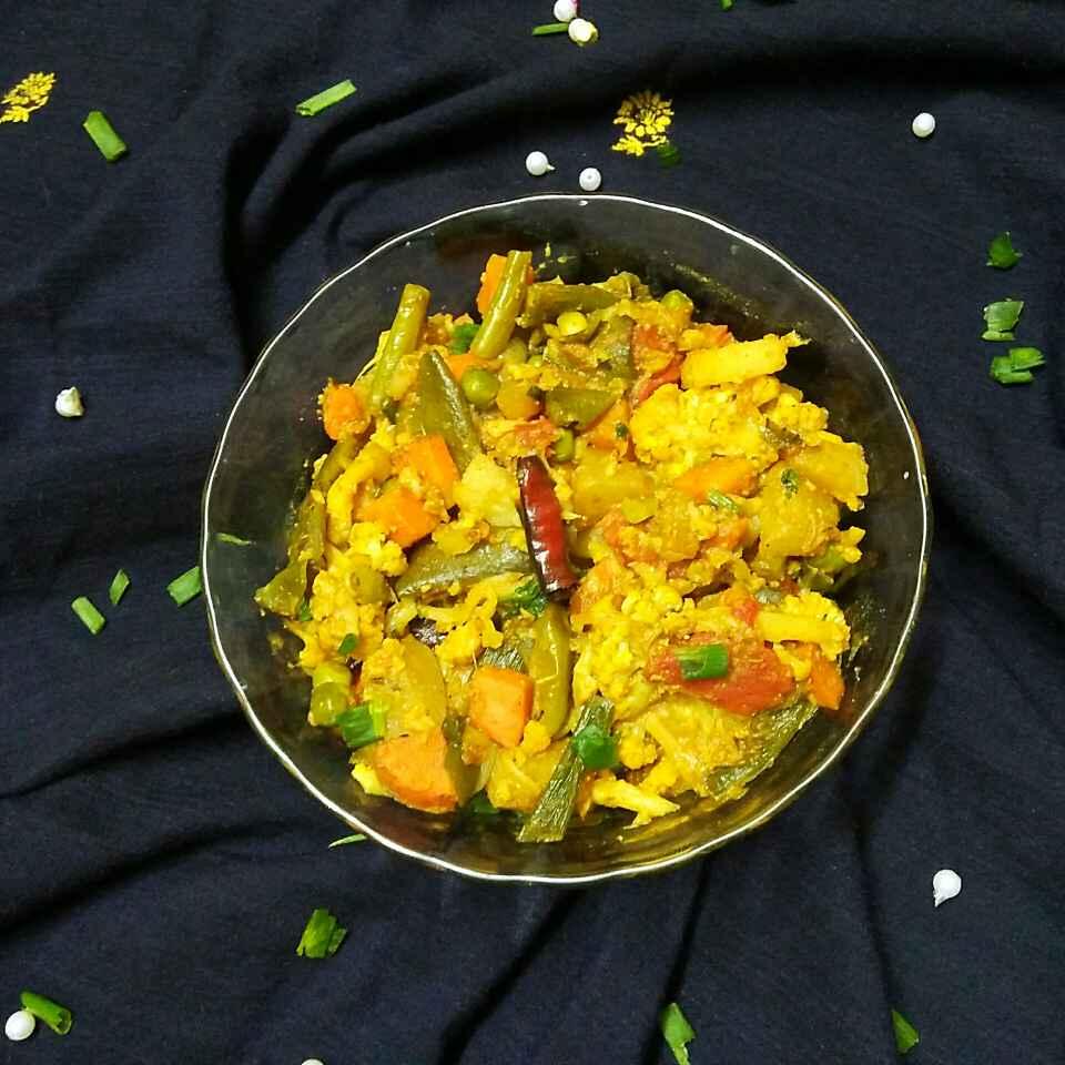 How to make কোলাপুরি সব্জি কারি