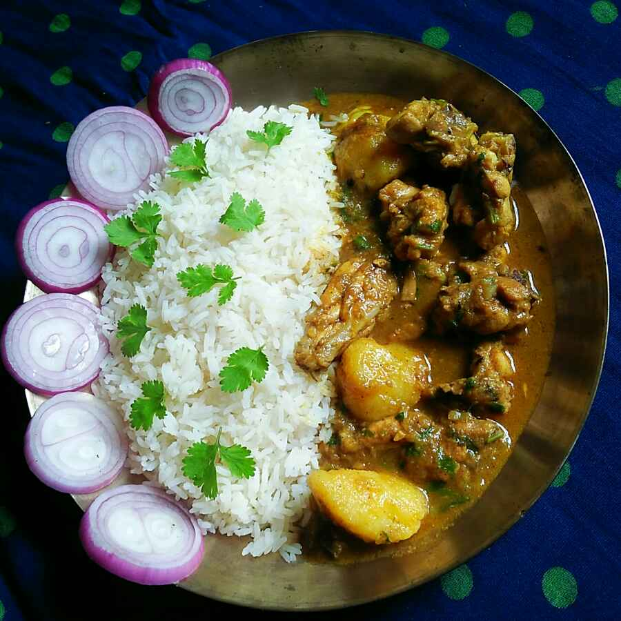 Photo of Bengali light chicken curry with potato by Sanjhbati sen at BetterButter