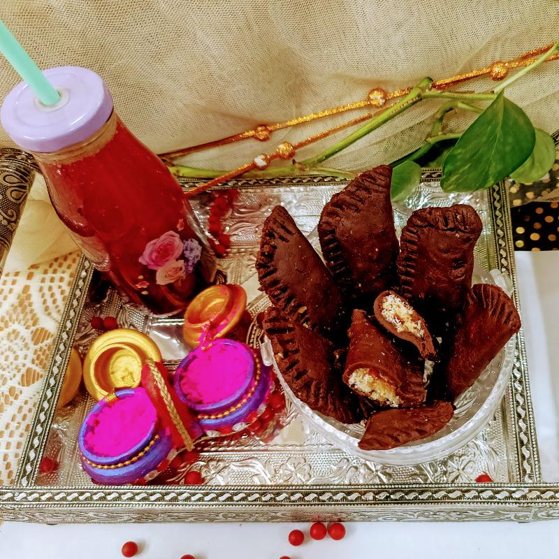 Photo of Dryfruits filled Coco biscuit Gujjiya & Beetroot kan..#bbkholiji by Santosh Bangar at BetterButter