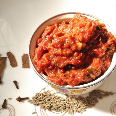 Photo of WHOLE SPICES TOMATO THOKKU / SPICED TOMATO PICKLE by Saranya Manickam at BetterButter