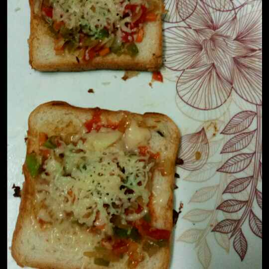 Photo of Bread Pizza by saranya sathish at BetterButter