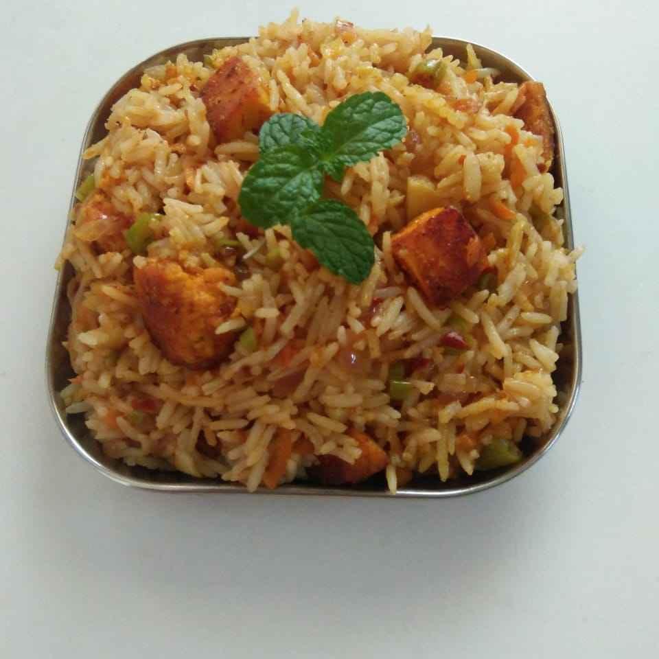 How to make Paneer tikka schezhwan fried rice