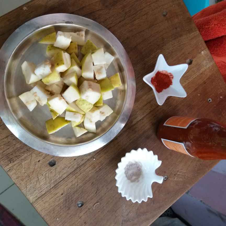 Photo of Spicy guava by Sarojam Arumugam at BetterButter