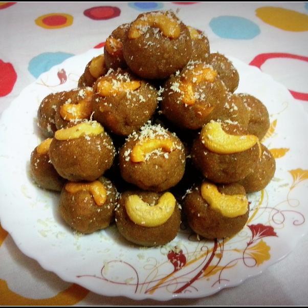 How to make Gond Ke Laddu