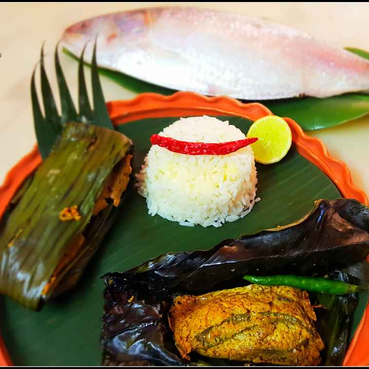 Photo of Steamed Hilsha in banana leaves by Sayan Majumder at BetterButter