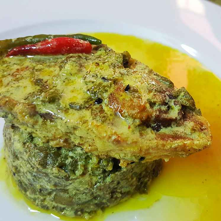 Photo of Steamed hilsa with taro leaves by Sayan Majumder at BetterButter