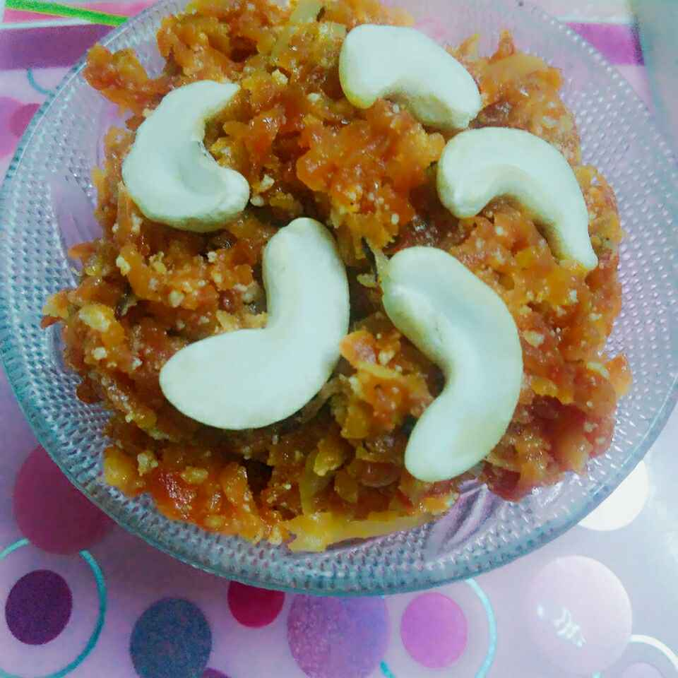 Photo of Gajar ka halwa by Seema Saurabh Dubey at BetterButter