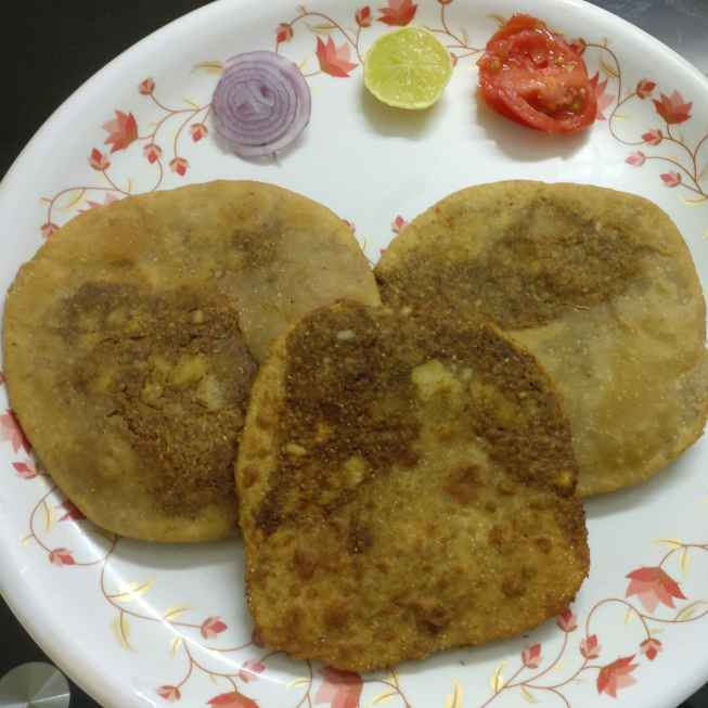 Photo of Urad Dal Wheat Poori by Selvi Anand at BetterButter