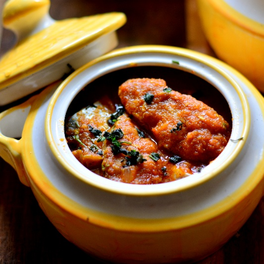 How to make Gaad T' Tamatar – Kashmiri Fish Curry