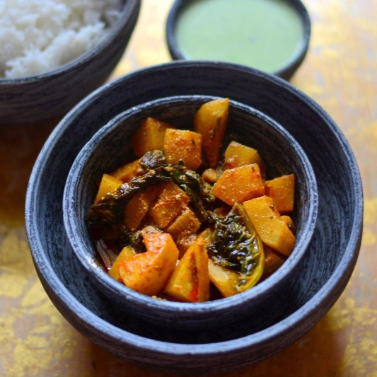 How to make Kashmiri Dum Monji (Knol Khol in Yogurt)