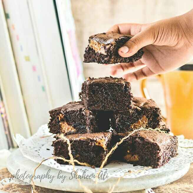 How to make Salted Caramel Filled Dark Chocolate Brownie