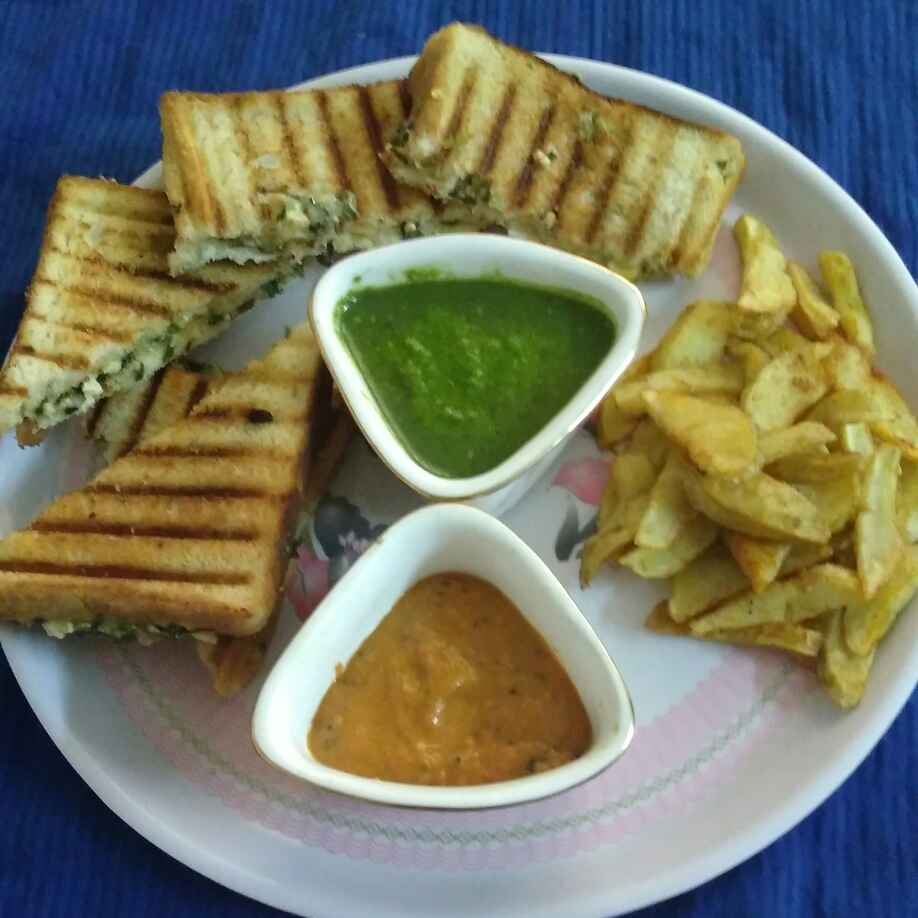 Photo of Veg Mayonaise Grilled Sandwich by Shakuntla Tulshyan at BetterButter