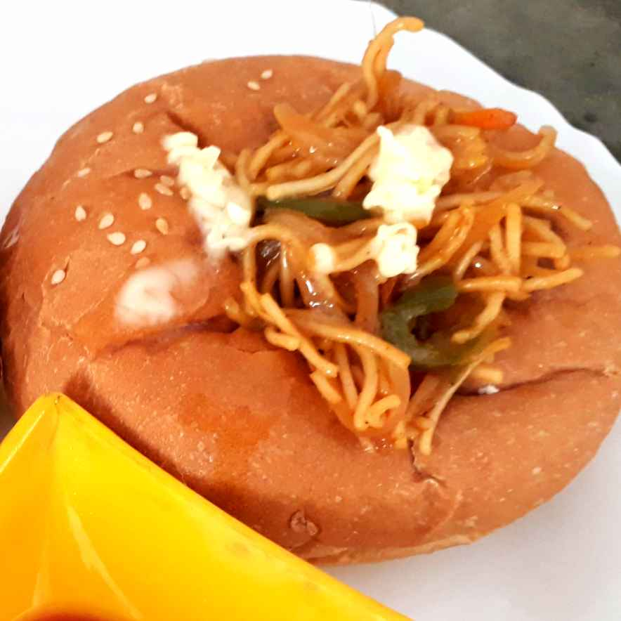 How to make Chowmin Stuffed Bun
