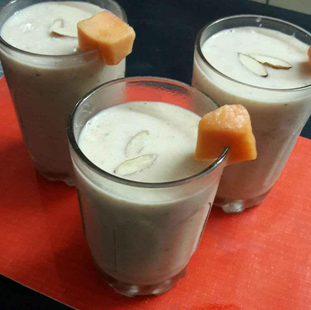 Photo of Power shot smoothi /papaya banana oats smoothi by shanta singh at BetterButter