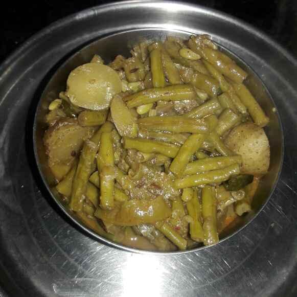 How to make Potato Cowpea Beans Sabzi