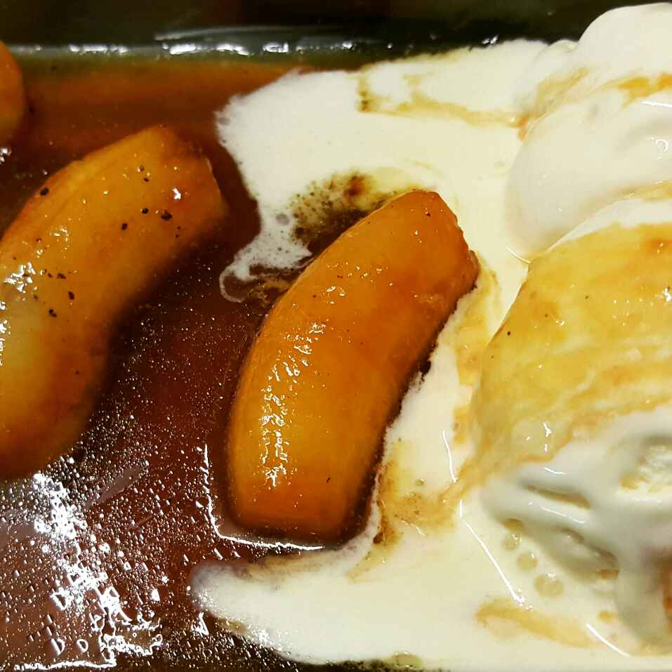 Photo of Caramelised banana in rum sauce with vanilla ice cream by Shaonli Sengupta at BetterButter