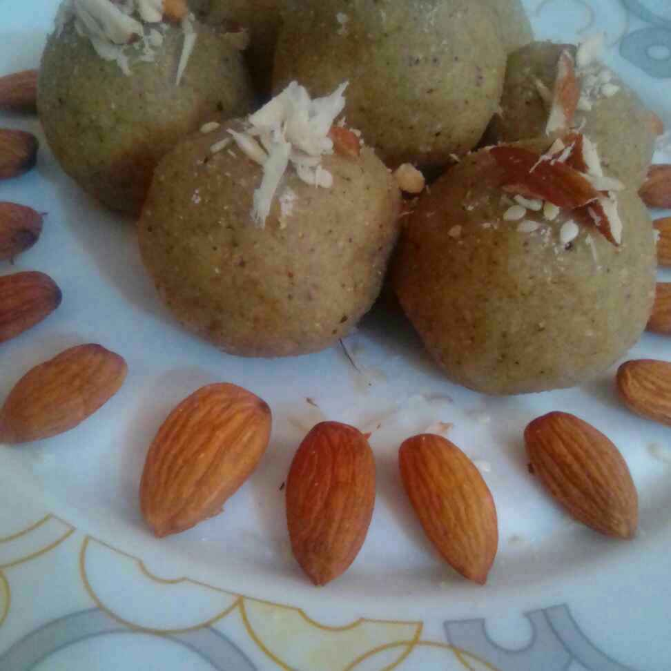 Photo of Udad dal ke laddu by Sharma Divya at BetterButter