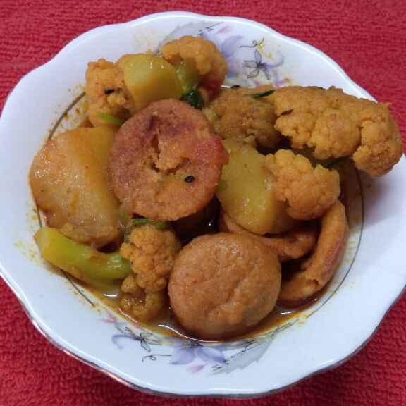 Photo of Phulkopi aloo borir dalna by Sharmila Dalal at BetterButter
