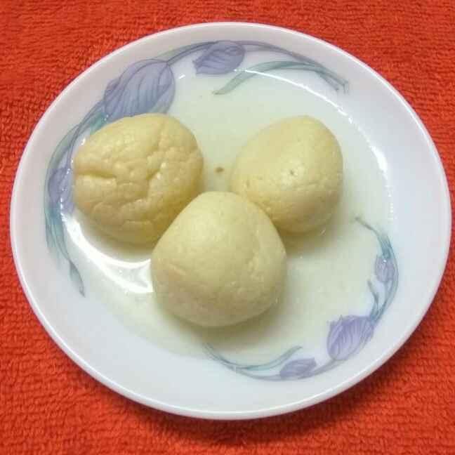 Photo of chanar rosogolla by Sharmila Dalal at BetterButter