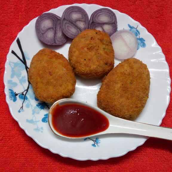 Photo of Crispy chicken cutlet stuffed with prawn by Sharmila Dalal at BetterButter