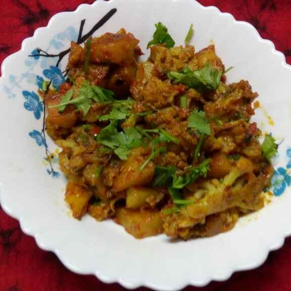 Photo of Panjabi style e aloo fulkopi by Sharmila Dalal at BetterButter