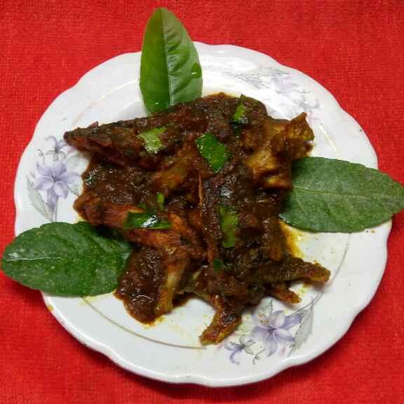 Photo of Gondhoraj lebu pata diye boal macher matha by Sharmila Dalal at BetterButter