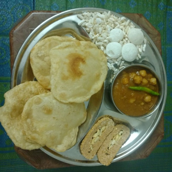 How to make Bhatoore-Chhole