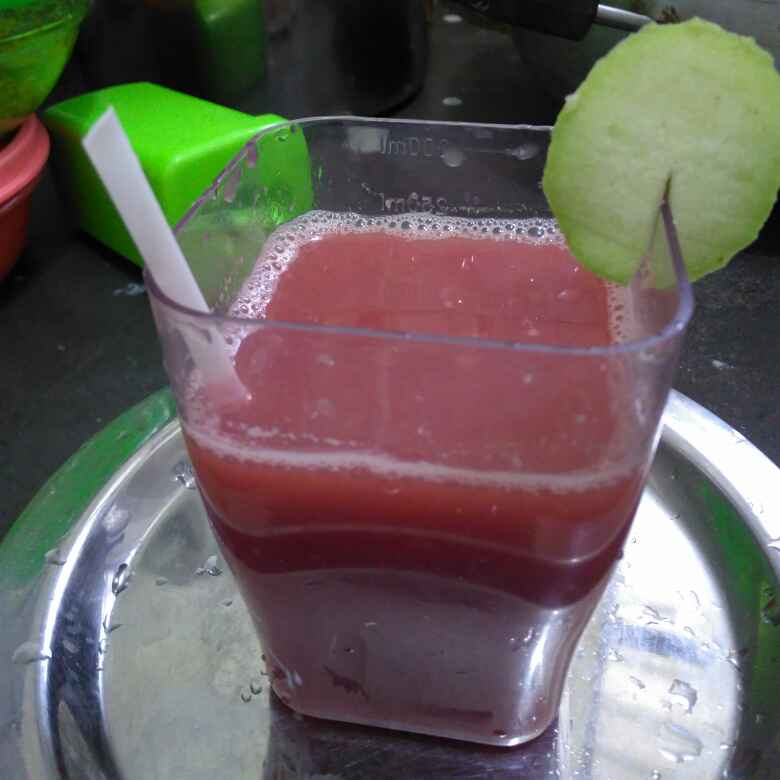 Photo of Gajar anaar kinu ke juice by Shashi Keshri at BetterButter