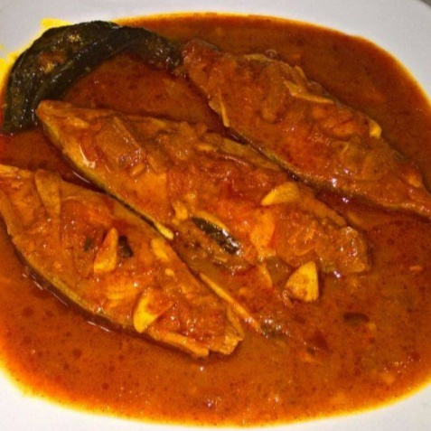 How to make Pomfret Fish Curry (Kerala Style)