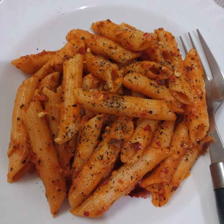 How to make penne in red sauce