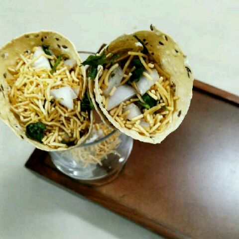 How to make Papad chaat cone