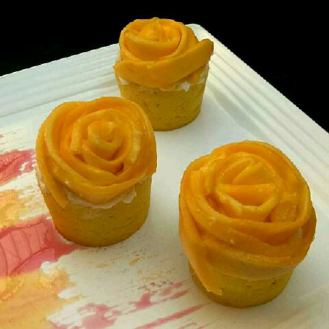 How to make Mango rose cupcakes