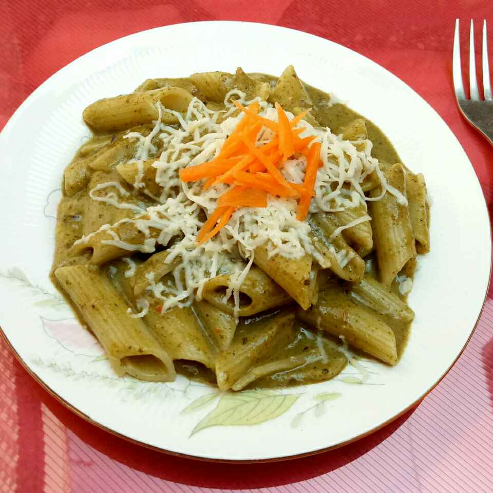 How to make Pasta in spinach sauce