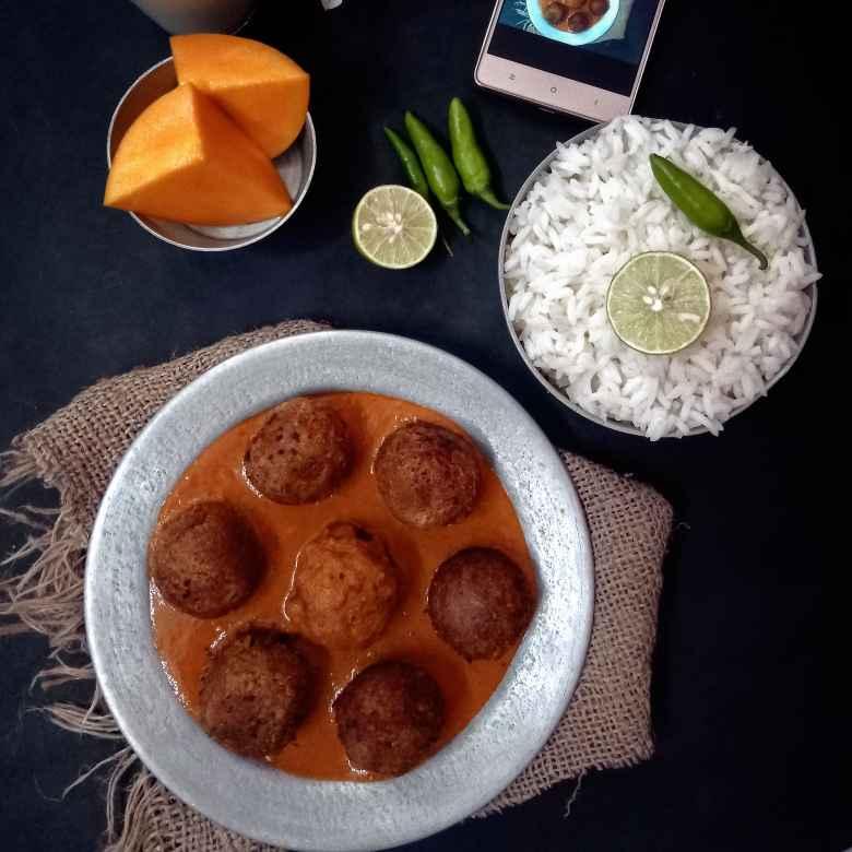 How to make Kumror Kofta Curry