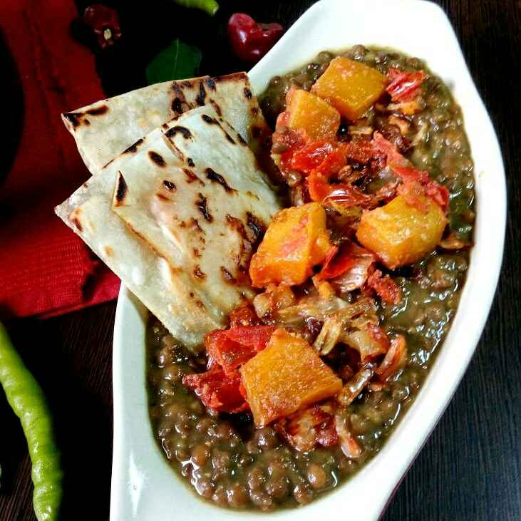 How to make Masoor Daal with onion and pumpkin