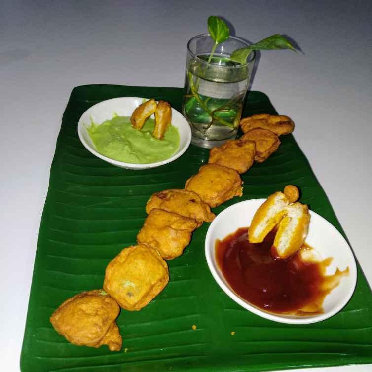 Photo of Stuffed.chesse bread pakoda by Shobana Rajesh at BetterButter