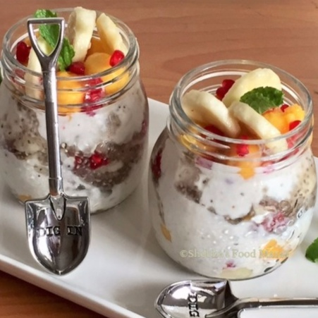 How to make OVERNIGHT OATS WITH YOGURT AND HONEY