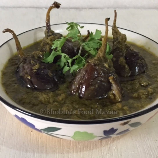 How to make HARE BHARE BAIGAN / BRINJAL CURRY IN GREEN MASALA
