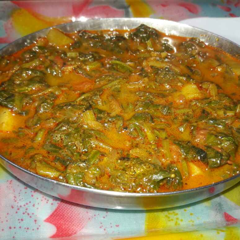 Photo of Alu paalak masala curry by Shobha.. Vrudhulla at BetterButter