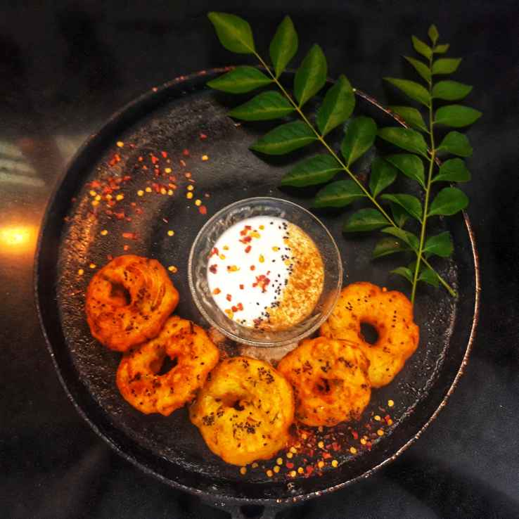 How to make Rawa wada with curd dip