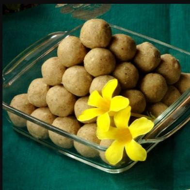 Photo of Masala Whole Wheat Laddu/Pinni ke Ladoo: by Shri Kripa at BetterButter