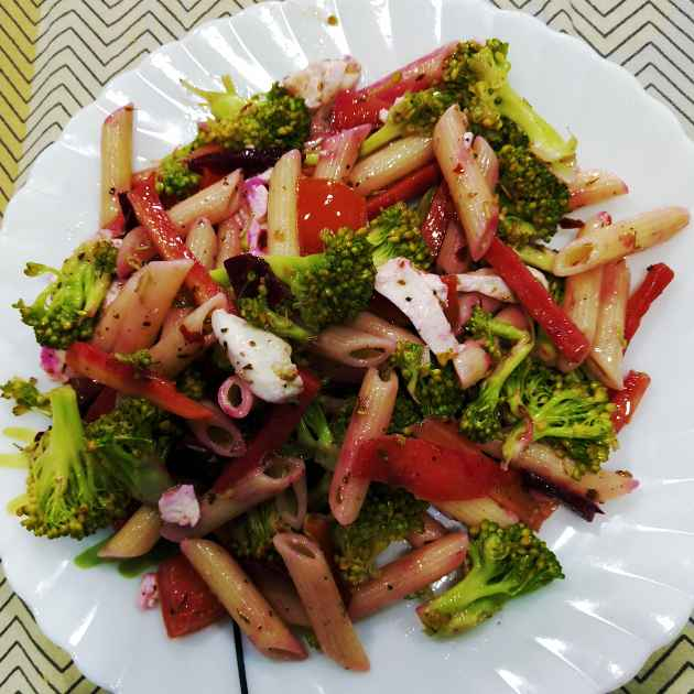 How to make Veggie Alfredo salad