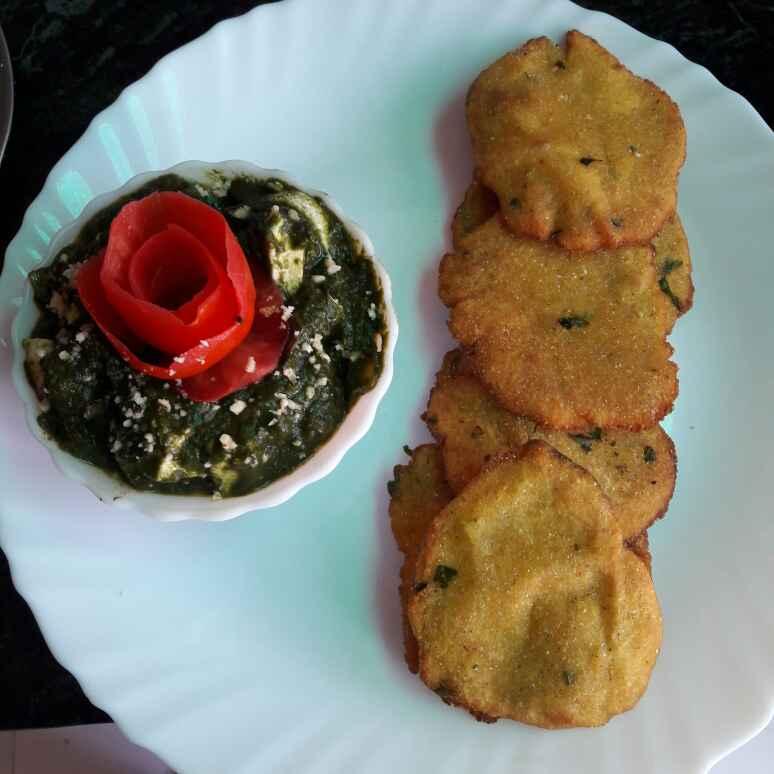 How to make Palak Paneer with Makkai  Roti