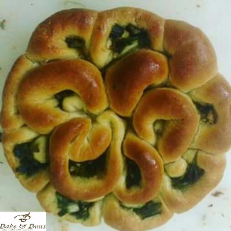 How to make Garlic Flower Bread
