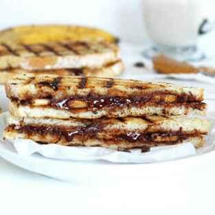 How to make Chocolate banana panini