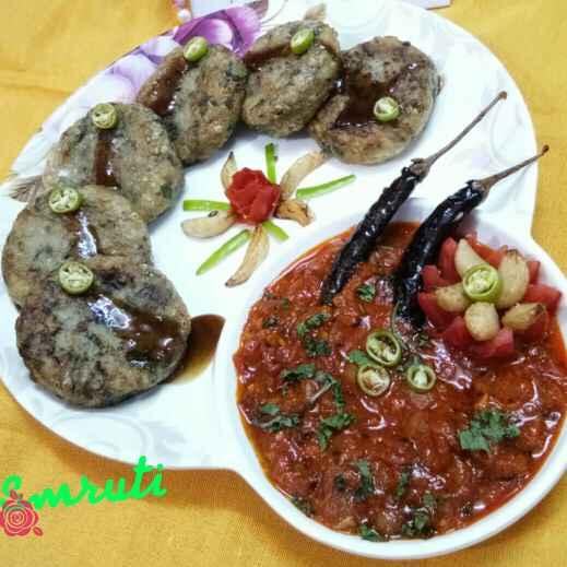 How to make Hariyanvi Tamatar Ki Chutney With Aloo Palak Tikki