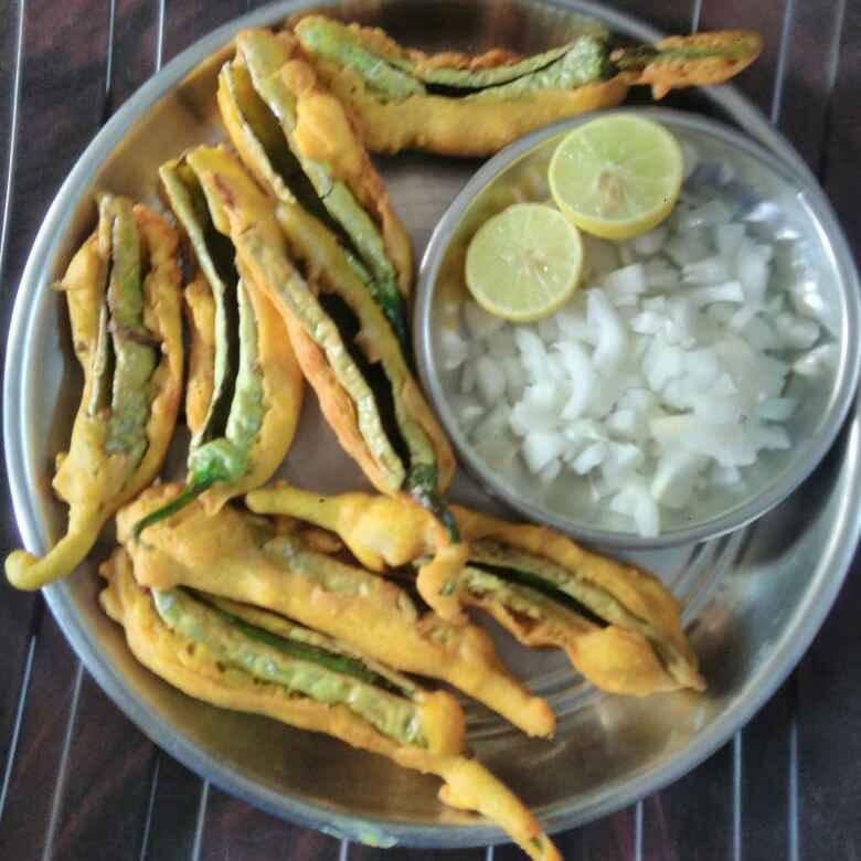 How to make మిరపకాయ బజ్జి