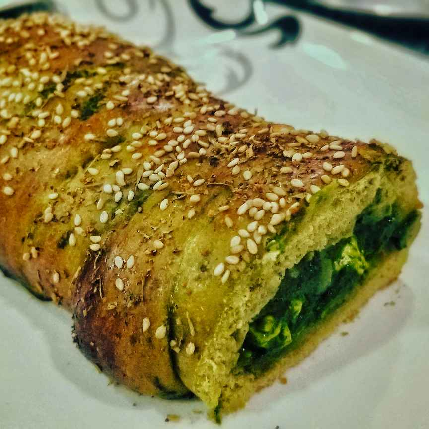 How to make Whole Wheat Spinach Bread stuffed with Palak Paneer