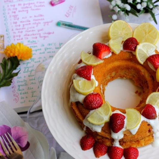 How to make THE ULTIMATE LEMON YOGURT BERRY CAKE